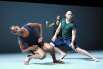 sadeh21-by-ohad-naharin-photo-gadi-dagon-10.jpg
